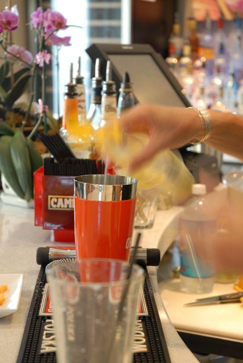 orchid-key-inn-bar